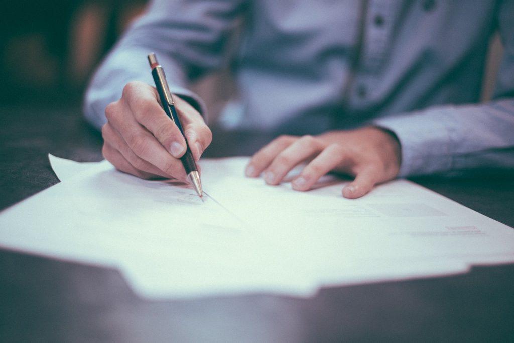 Jak złożyć wniosek o rozliczenie PIT przez urząd skarbowy?